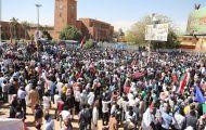 الشارع السوداني يعود إلى «سلاح الميدان» بعد عامين من الثورة
