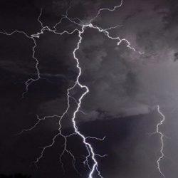 """ليل الخميس وفجر الجمعة .. العالم يشهد عاصفة من شهب """"ألفا وحيدات القرن"""""""